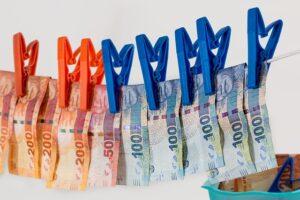 Законодательное урегулирование обличителей коррупции и вознаграждение за разоблачение