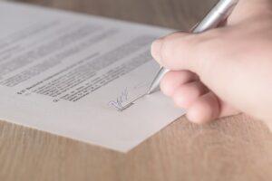 Риски при заключении договора купли-продажи. Консультация юриста.